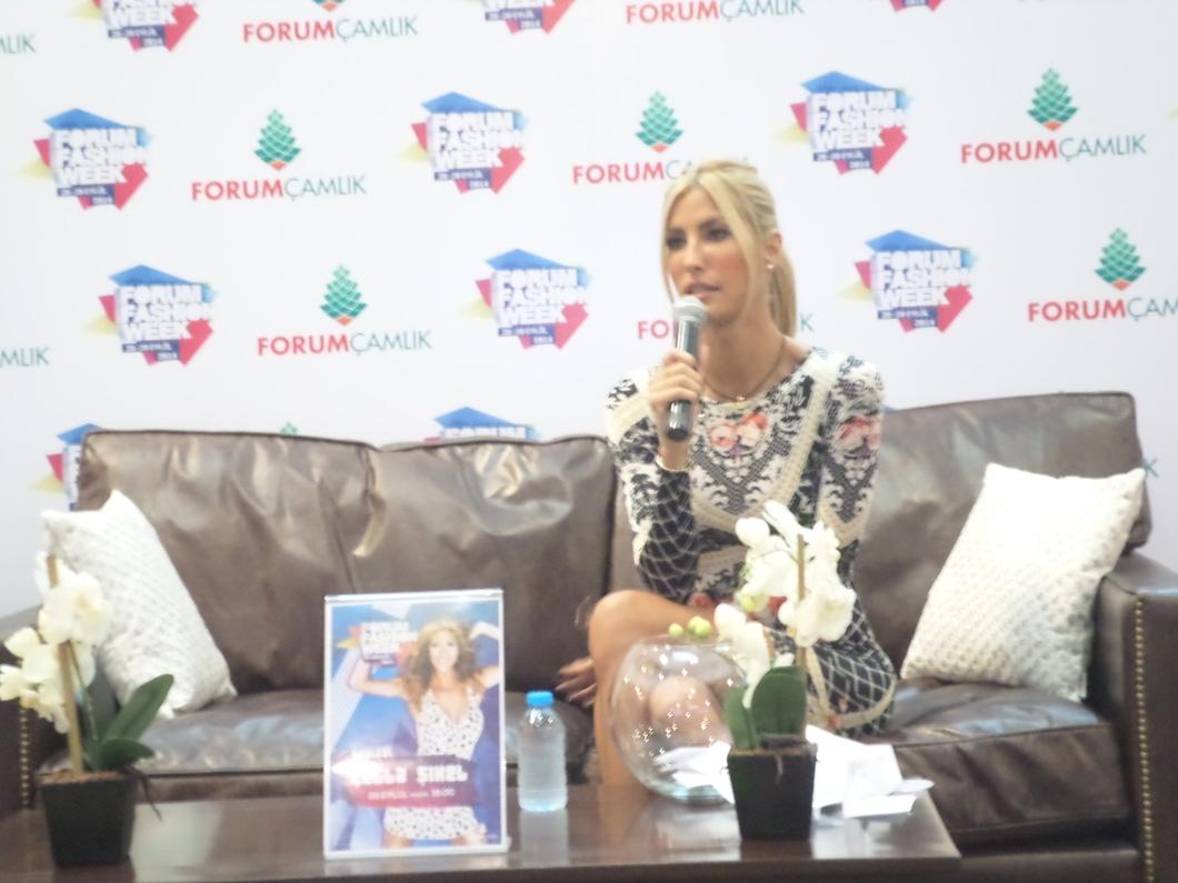 Denizli Forum Çamlık 2014 Fashion Week Etkinlikleri Çağla Şikel söyleşi